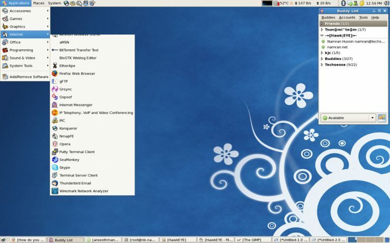 CentOS 7 comes with a Gnome 3 desktop that's been customised to the Gnome 2 style.