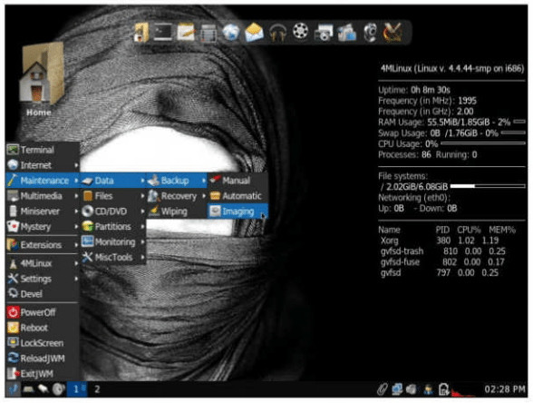 Featuring JWM as its window manager, 4MLinux easily manages to justify its name with the bundled software.