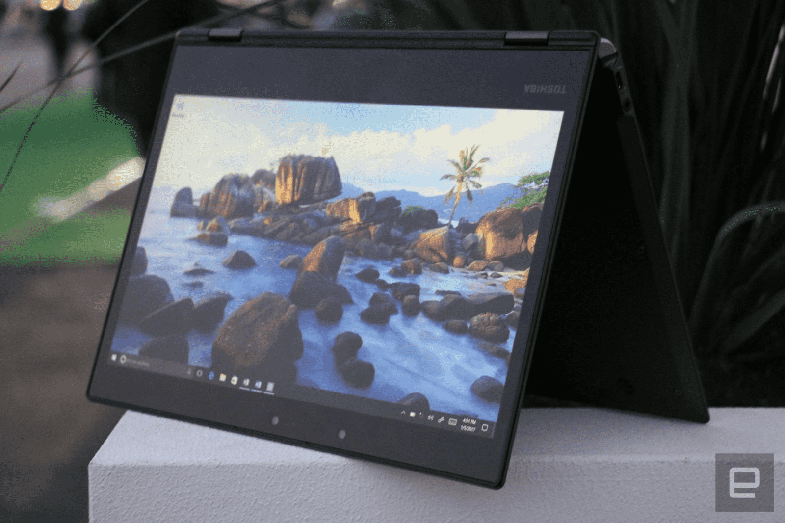 BELOW The X20W comes bundled with a stylus, unlike most of its convertible rivals