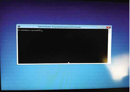 Microsoft's ADK boot disk is bare bones, with a command prompt interface