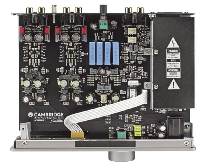 Neat internal construction reveals the quality of the Cambridge Audio Duo phonostage. At a price of £250 it puts many other rivals to shame.